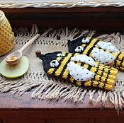 """Работы для детей, ручной работы. Ярмарка Мастеров - ручная работа Детские вязаные полушерстяные рукавички """"Пчёлки"""". Handmade."""