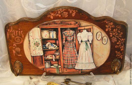 """Прихожая ручной работы. Ярмарка Мастеров - ручная работа. Купить Ключница-вешалка """" В доме модистки """". Handmade."""