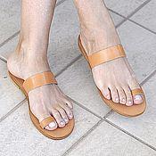 Обувь ручной работы. Ярмарка Мастеров - ручная работа Кожаные сандалии с пальчиком. Handmade.