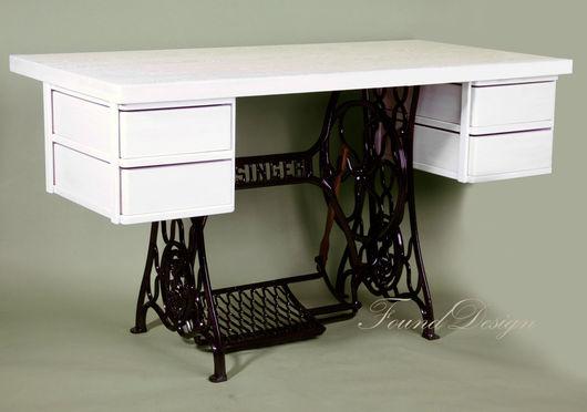 Мебель ручной работы. Ярмарка Мастеров - ручная работа. Купить Письменный стол с ящиками на станине Singer. Handmade. Чёрно-белый