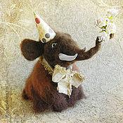 """Куклы и игрушки ручной работы. Ярмарка Мастеров - ручная работа """"Поздравляю!"""" мамонтенок. Handmade."""