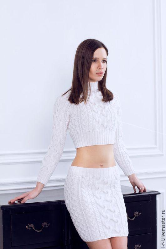 """Костюмы ручной работы. Ярмарка Мастеров - ручная работа. Купить Вязаный костюм двойка """"Белый снег"""" от KESLOVE. Handmade. Белый"""