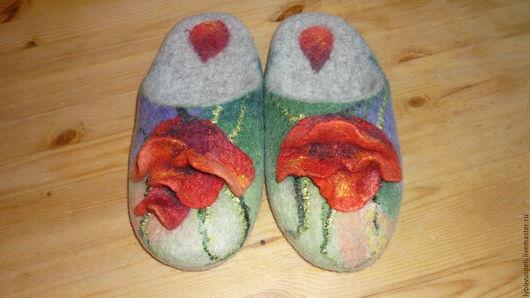 """Обувь ручной работы. Ярмарка Мастеров - ручная работа. Купить тапочки шлепки""""Маковые"""" ПРОДАНО. Handmade. Зеленый, подарок, Мокрое валяние"""