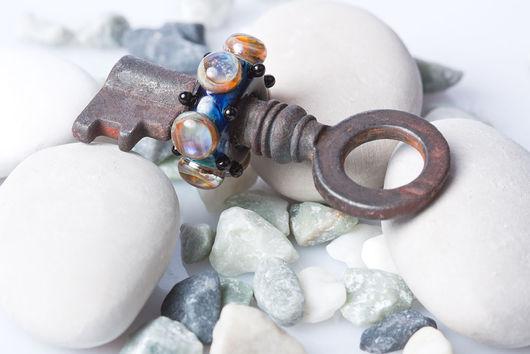 """Кулоны, подвески ручной работы. Ярмарка Мастеров - ручная работа. Купить Lampwork кулон """"Ключ от другого мира"""". Handmade."""