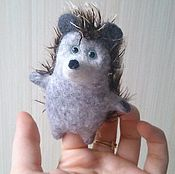 Куклы и игрушки ручной работы. Ярмарка Мастеров - ручная работа Игрушка пальчиковая Ежик. Handmade.