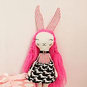 Мягкие игрушки ручной работы. Ярмарка Мастеров - ручная работа Зайка с таксами на юбке. Handmade.
