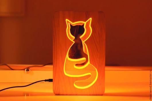 """Освещение ручной работы. Ярмарка Мастеров - ручная работа. Купить Светильник-ночник из натурального дерева """"Кот"""". Handmade. Золотой"""
