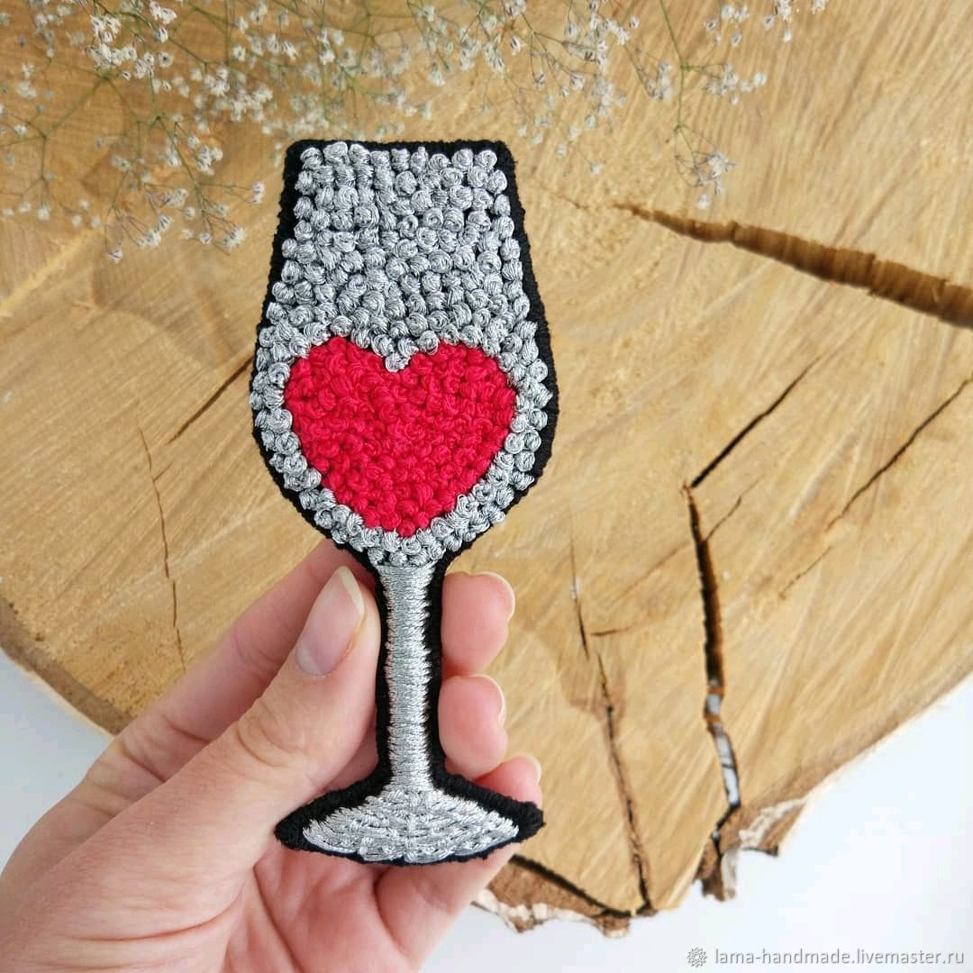 Embroidered brooch with a glass of wine, Brooches, Izhevsk,  Фото №1