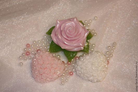 """Мыло ручной работы. Ярмарка Мастеров - ручная работа. Купить Набор мыла ручной работы. """"Роза с сердцами"""". Handmade."""