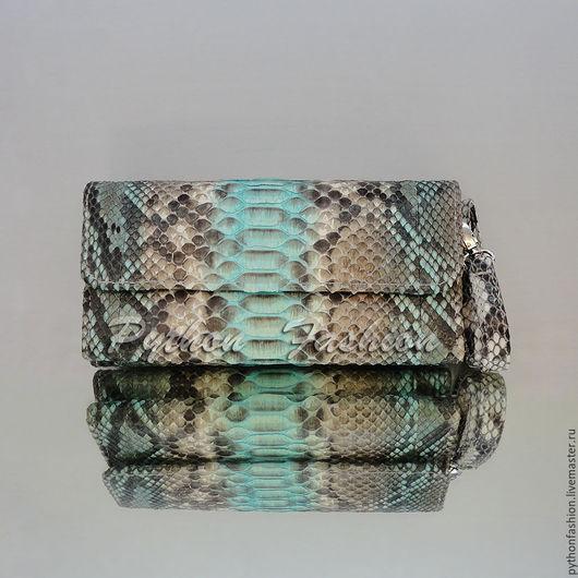 Оригинальный кошелек клатч из кожи питона на ремешке. Стильный дизайнерский аксессуар, женский кошелёк из питона на заказ. Авторский женский кожаный кошелек ручной работы, модный вечерний аксессуар.