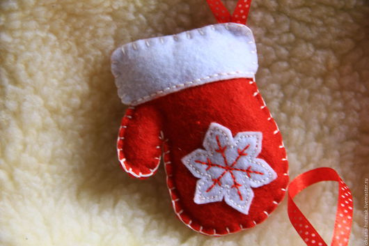 Новый год 2017 ручной работы. Ярмарка Мастеров - ручная работа. Купить Новогодние игрушки из фетра. Handmade. Ярко-красный, Праздник