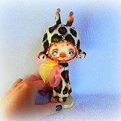 Куклы и игрушки ручной работы. Ярмарка Мастеров - ручная работа Жирафик в кармашек). Handmade.