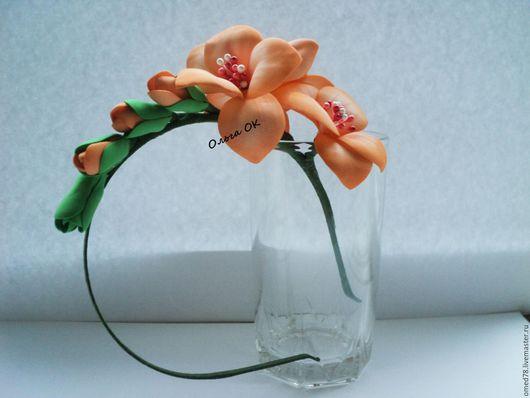 Цветы на ободке выполнены из фоамирана. Возможно выполнение в другой цветовой гамме