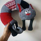 """Для дома и интерьера ручной работы. Ярмарка Мастеров - ручная работа Подушка под шею """"Серый котик"""". Handmade."""