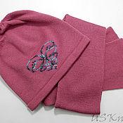 Аксессуары ручной работы. Ярмарка Мастеров - ручная работа Вязаный комплект шапка  (шапочка) и шарф с вышивкой. Handmade.