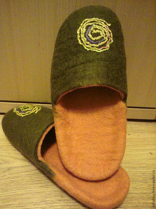 Обувь ручной работы. Ярмарка Мастеров - ручная работа. Купить тапочки шлепки Спираль жизни.. Handmade. Зеленый, войлочные тапочки