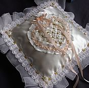 """Свадебный салон ручной работы. Ярмарка Мастеров - ручная работа Свадебная подушечка для колец """"Нежность"""". Handmade."""