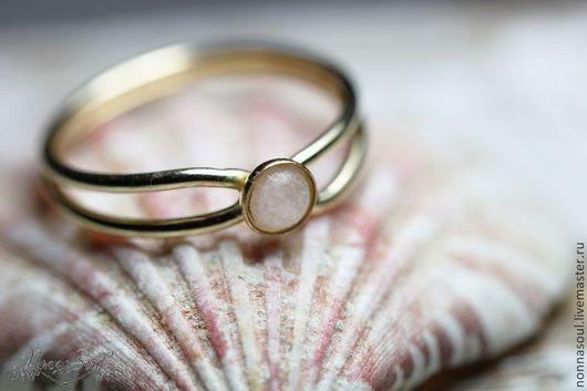 Кольца ручной работы. Ярмарка Мастеров - ручная работа. Купить Кольцо из голдфилда с розовым кварцем. Handmade. Бледно-розовый, кварц