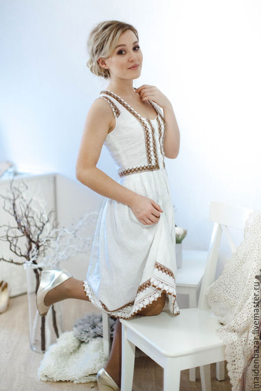 Платья ручной работы. Ярмарка Мастеров - ручная работа. Купить Платье из вышитого льна с льняным кружевом.. Handmade. Белый