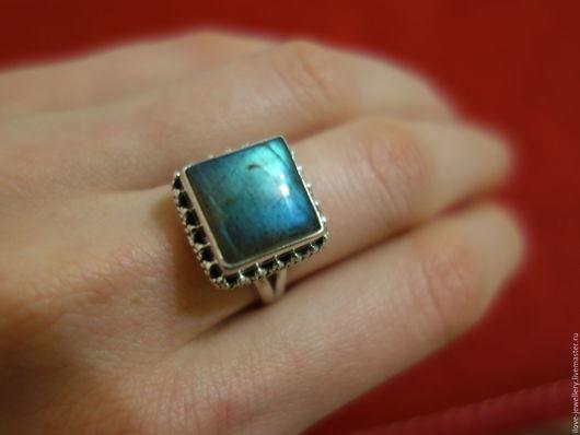 """Кольца ручной работы. Ярмарка Мастеров - ручная работа. Купить """"Brunico""""-серебряный перстень с натуральным лабрадоритом. Handmade. Синий"""