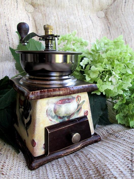 Кухня ручной работы. Ярмарка Мастеров - ручная работа. Купить Ручная кофемолка Утренний кофе. Handmade. Разноцветный, подарки к праздникам