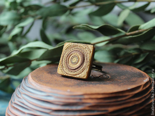 Кольцо из полимерной глины `Карамельный пудинг`.