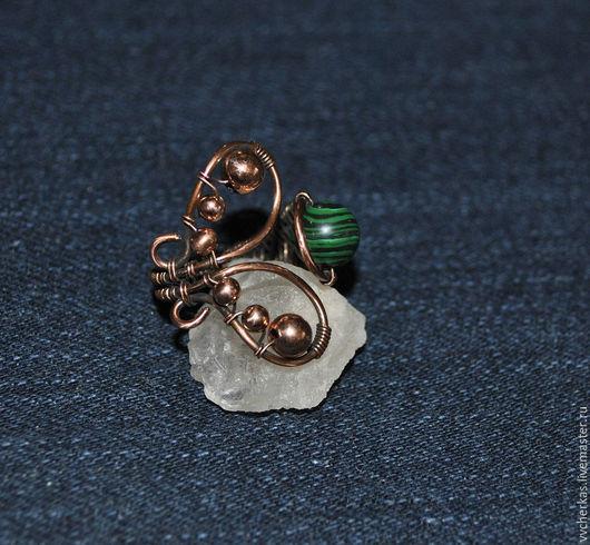 Кольца ручной работы. Кольцо медное Бабочка с малахитом. Купить медное кольцо.Ручная работа. Handmade. Украшения Виктории Черкас.