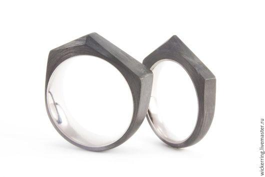 Обручальные кольца из титана и карбона от WickerRing