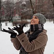 Аксессуары ручной работы. Ярмарка Мастеров - ручная работа Шапка вязаная серая мужская зимняя (снег, зима, снежки). Handmade.