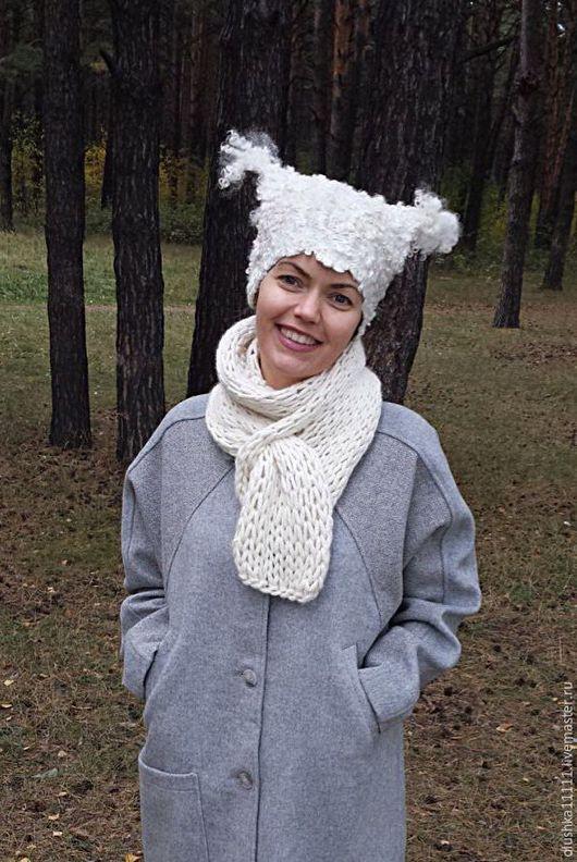 Удачно сочетается с шарфом из моего магазинаhttp://www.livemaster.ru/item/6127333-aksessuary-sharf-shrag-belym-belo