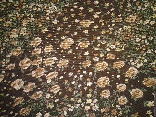 """Шитье ручной работы. Ярмарка Мастеров - ручная работа. Купить Трикотаж-шебби вискозный фактурный """"Бежевые розочки на коричневом"""". Handmade."""