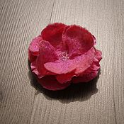 Украшения ручной работы. Ярмарка Мастеров - ручная работа Войлочная брошь-цветок. Handmade.