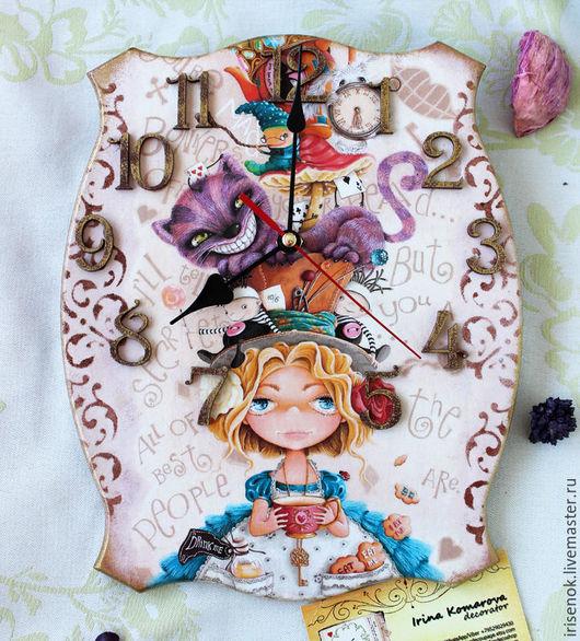 """Часы для дома ручной работы. Ярмарка Мастеров - ручная работа. Купить """"Алиса"""", часы. Handmade. Бежевый, Декупаж, часовой механизм"""