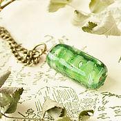 Болотный кулон-кристалл лэмпворк на длинной цепочке