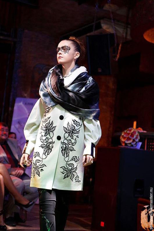 """Верхняя одежда ручной работы. Ярмарка Мастеров - ручная работа. Купить Пальто """"Зебровые орхидеи"""" с вышивкой. Handmade. Белый"""