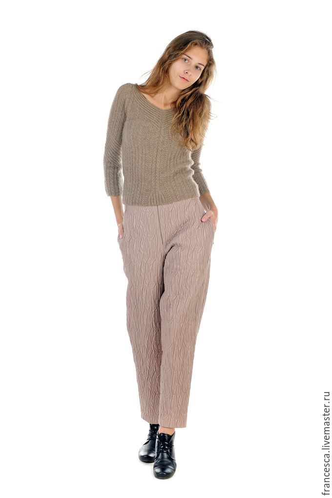 Hand Knit Cashmere Pullover Sweater V-neck Jumper Handmade Cable Pattern Of Italian Beige Brown Natural Wool. Designer Clothes by Cashmere Francesca