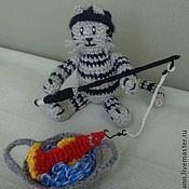 Куклы и игрушки ручной работы. Ярмарка Мастеров - ручная работа Вязаный кот-рыболов. Handmade.