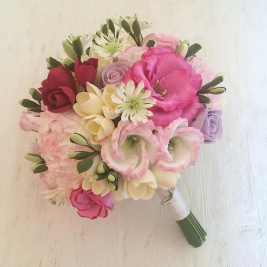 Свадебные цветы ручной работы. Ярмарка Мастеров - ручная работа. Купить Букет невесты из полимерной глины с эустомой , фрезией и пионами. Handmade.