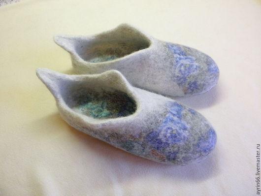 """Обувь ручной работы. Ярмарка Мастеров - ручная работа. Купить Тапочки """"Серафима"""". Handmade. Разноцветный, Тапочки ручной работы, подарок"""