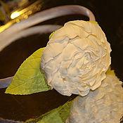 """Украшения ручной работы. Ярмарка Мастеров - ручная работа Ободок для невесты из полимерной глины """"Белый пион"""". Handmade."""