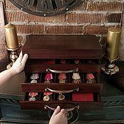 Медали ручной работы. Ярмарка Мастеров - ручная работа Комод для медалей и семейного архива. Handmade.