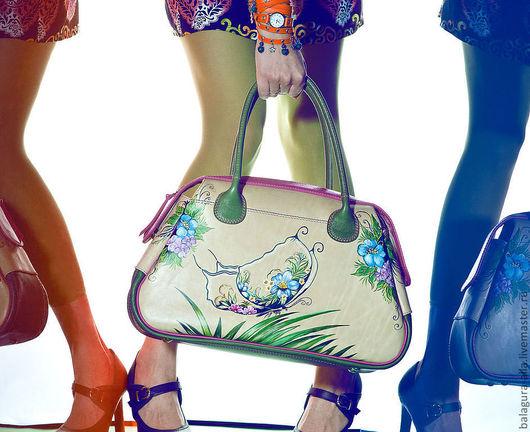 """Женские сумки ручной работы. Ярмарка Мастеров - ручная работа. Купить Саквояж """"Бабочка в цветах"""". Handmade. Рисунок, ручная работа"""