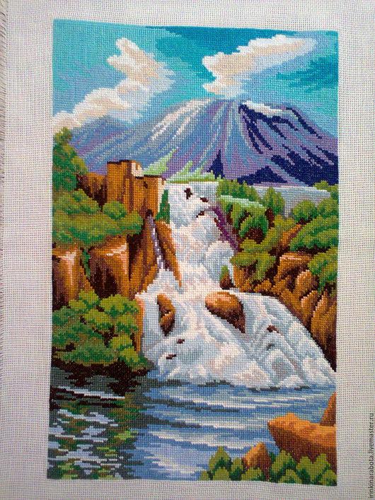 Пейзаж ручной работы. Ярмарка Мастеров - ручная работа. Купить водопад. картина вышитая крестиком. Handmade. Водопад, вода, природа