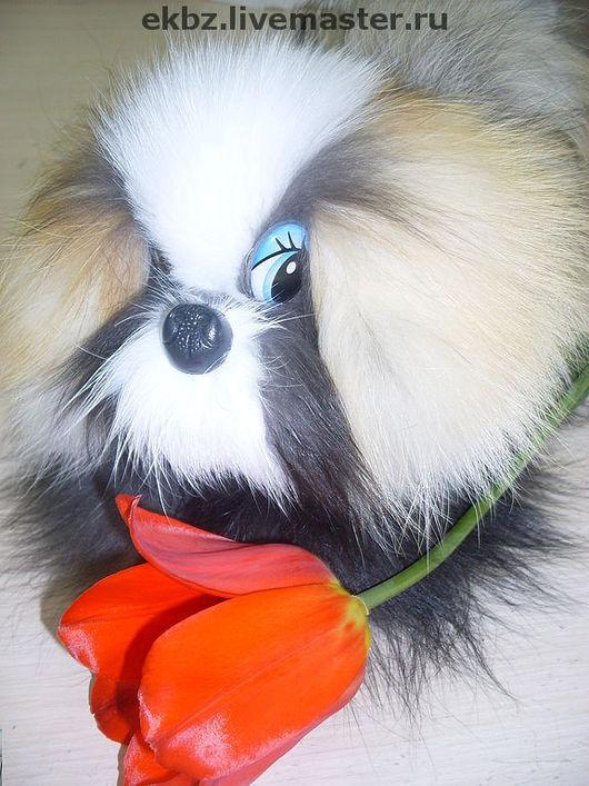 Мягкая игрушечная собачка из меха рыжей,чернобурой лисы,песца,синтепона.