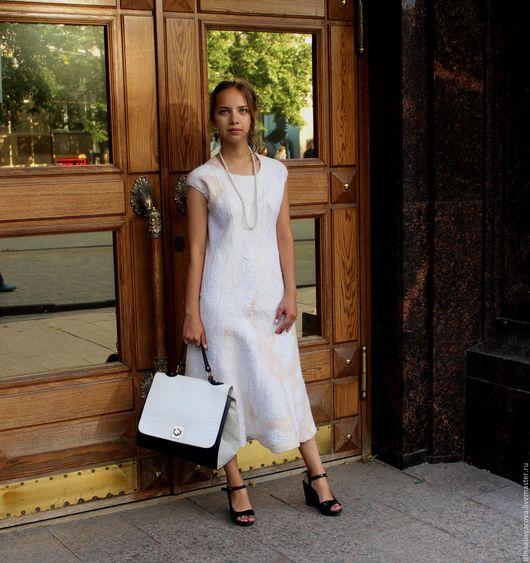 """Платья ручной работы. Ярмарка Мастеров - ручная работа. Купить Валяное платье """"Белое"""". Handmade. Белый, на свадьбу"""