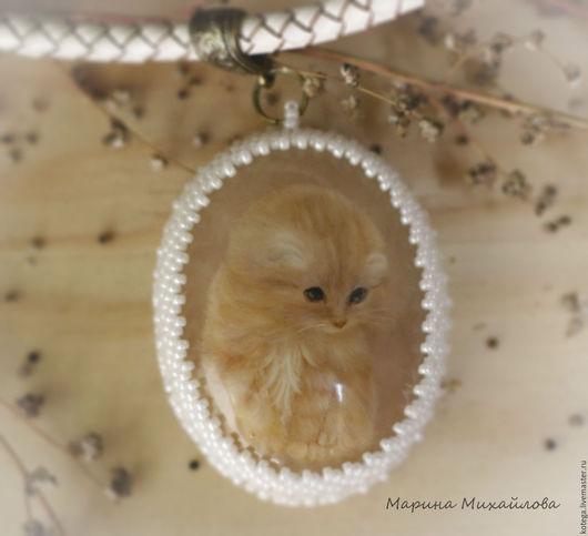 """Кулоны, подвески ручной работы. Ярмарка Мастеров - ручная работа. Купить Кулон """"Котенок"""". Handmade. Бледно-розовый, кулон с котом"""