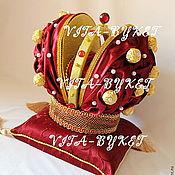 """Подарки к праздникам ручной работы. Ярмарка Мастеров - ручная работа В наличии Подарок шефу подарок """"Корона из конфет"""" руководителю подарок. Handmade."""