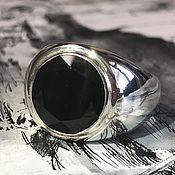 Перстень ручной работы. Ярмарка Мастеров - ручная работа Мужской круглый перстень с черным ониксом из серебра 925 пробы. Handmade.