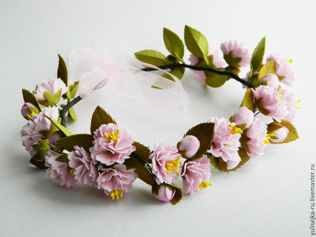 Цветы и венки из фоамирана