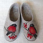 """Обувь ручной работы. Ярмарка Мастеров - ручная работа """"Снегири"""" валяные тапочки. Handmade."""